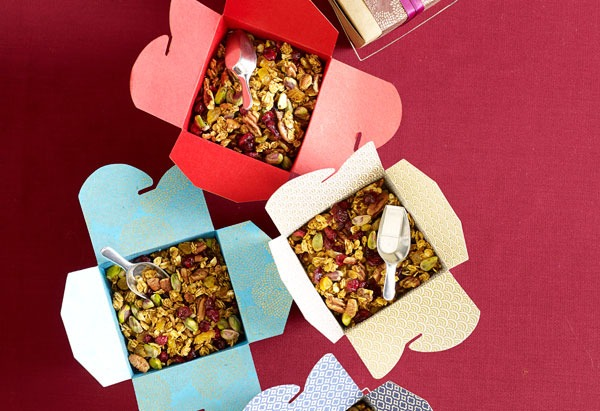 Homemade Granola! awesome and creative gifts for wedding guests