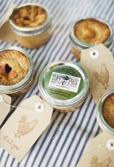 Tiny pies in a jar! Coolest wedding favor ever.