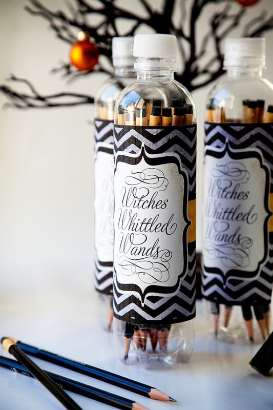 colored pencils - awesome and creative gifts for wedding guests