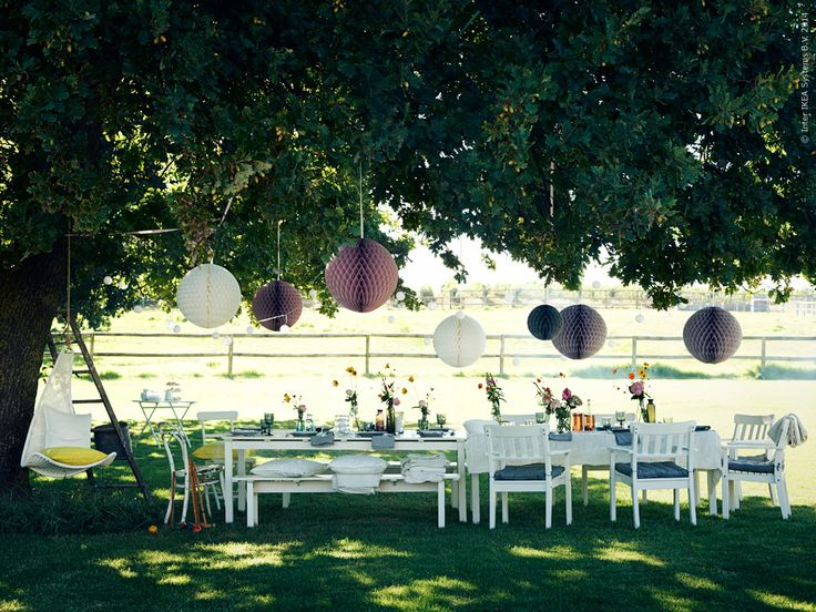 Garden party inspiration! A classic dining set like the ANGSÖ series from IKEA