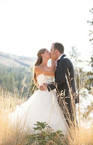 18 Okanagan Wedding Photographers