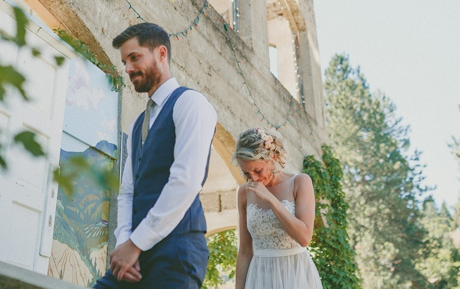 27 Okanagan Wedding Photographers