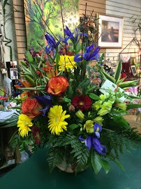 Earthly Creations Floral & Gift Gallery2
