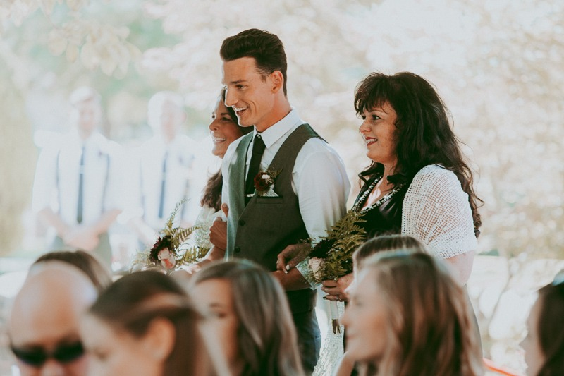 Kelowna Wedding Photography - Rustic Sunkissed Outdoor Wedding Photos by Kelowna Wedding Photographer Tailored Fit Photography-0015