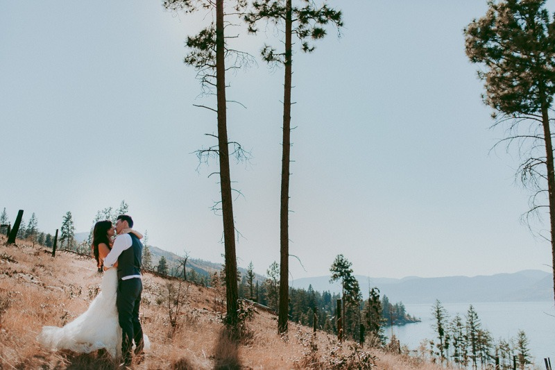 Kelowna Wedding Photography - Rustic Sunkissed Outdoor Wedding Photos by Kelowna Wedding Photographer Tailored Fit Photography-0037