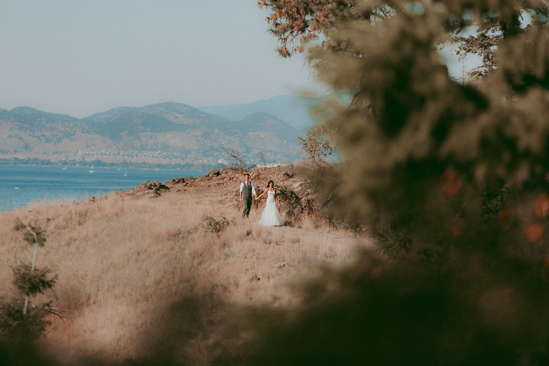 Kelowna Wedding Photography - Rustic Sunkissed Outdoor Wedding Photos by Kelowna Wedding Photographer Tailored Fit Photography-0041