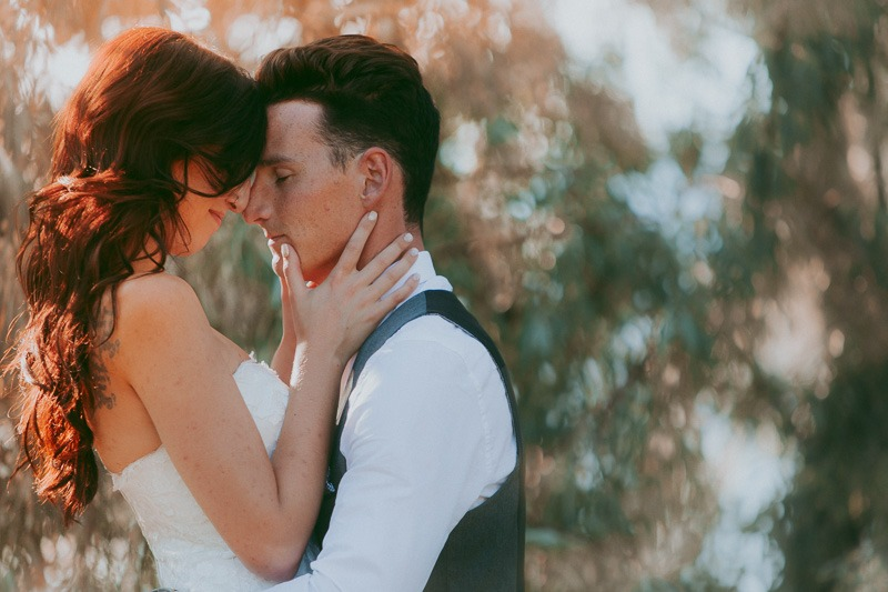 Kelowna Wedding Photography - Rustic Sunkissed Outdoor Wedding Photos by Kelowna Wedding Photographer Tailored Fit Photography-0045