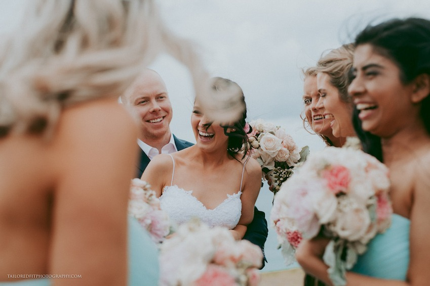happy wedding photos - natural wedding photos - unposed wedding photos of bridal party