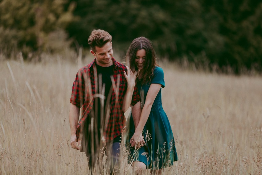 incredibly romantic engagement photo ideas