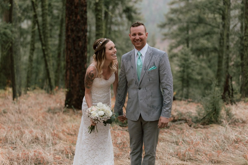 rainy wedding - amazing forest photoshoot - forest wedding in the woods and trees - kelowna wedding photographer tailored fit photography