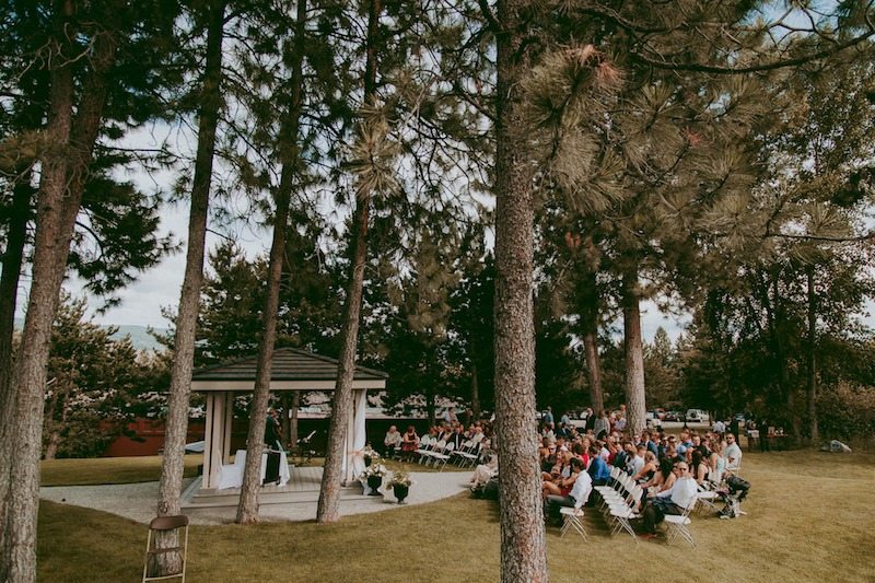 Okanagan Golf Club Wedding at Quail Ridge & Bear Golf captured by Okanagan Wedding Photographers Tailored Fit