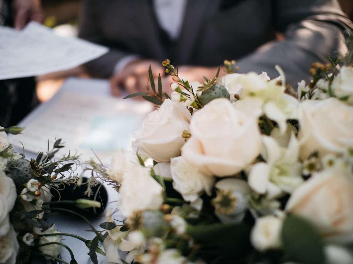 wedding ceremony at tru horticultural gardens - thompson river university kamloops wedding